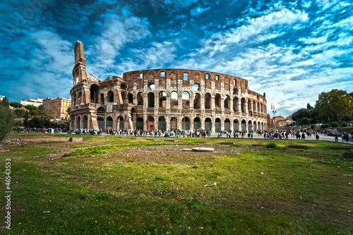 the-majestic-coliseum-rzym-wlochy