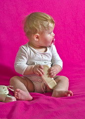 baby barefoot child wears shoes