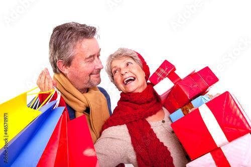 rentner beim shoppen