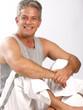 Retrato de un saludable y contento hombre adulto.