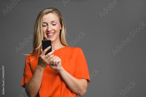 Nachricht am Smartphone tippen
