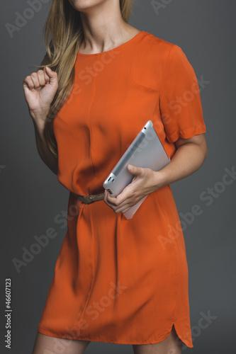Sexy Frau mit Tabletpc