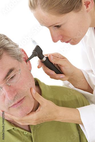 Homme - Problèmes auditifs