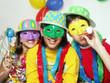 Niños de carnaval fiesta y disfraz.