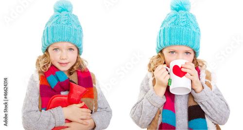 kind isoliert mit tasse und wärmflasche
