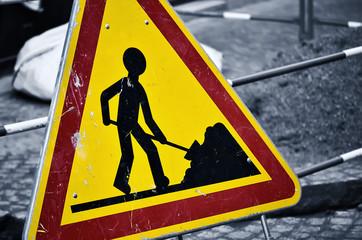 panneau de signalisation routière,danger,travaux