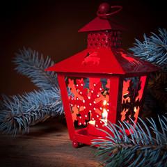 lampada rossa con candelina