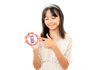 携帯電話使用禁止を警告する女の子
