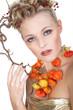 Herbst Gefühle, hübsche junge Frau mit Kopfschmuck