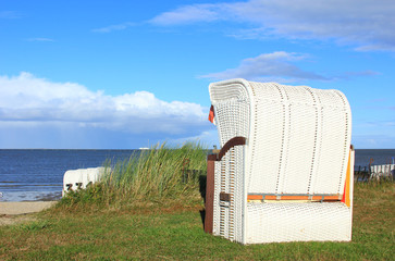 Weißer Strandkorb