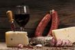 salami formaggi e vino rosso