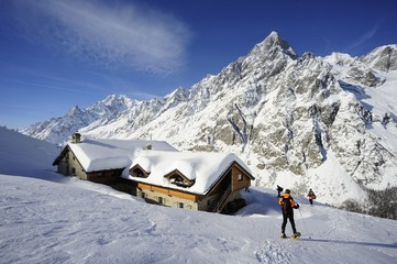 Ciaspole al Rifugio Bonatti Mont Blanc