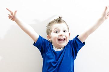 Kind freut sich
