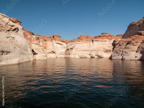 Rochers et falaises rouges du Lac Powell
