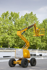 Diesel Powered Articulating Boom Lift