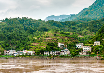 Travel on the Yangtze River with a view of the mountains and th