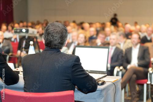 Leinwanddruck Bild lettura a convention,riunione,dibattito