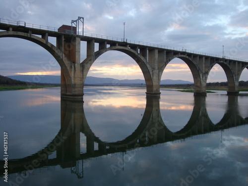 Lustrzane Most