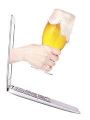 beer toasting to show internet business success