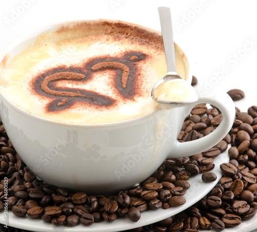 kaffee genie en cappuccino mit herz aus schokolade von doris oberfrank list lizenzfreies foto. Black Bedroom Furniture Sets. Home Design Ideas