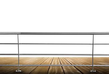ringhiera su legno in spazio bianco