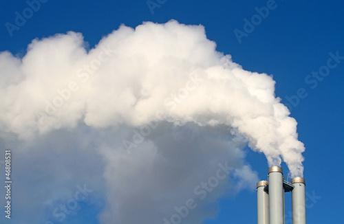 Leinwandbild Motiv Rauchfahne aus Schornstein