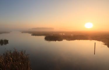 Sun, fog & water