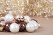 Weihnachtskugeln mit Engelshaar