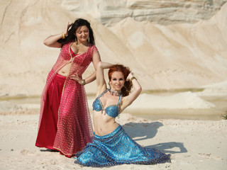 Bellydance in outdoors