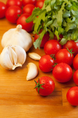 Tomatoes, garlic and arugula