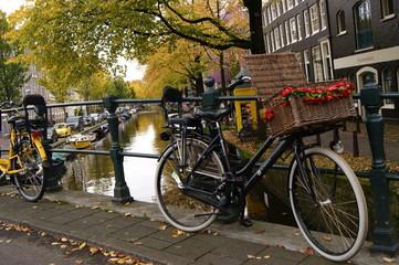 Bicicletas en canales