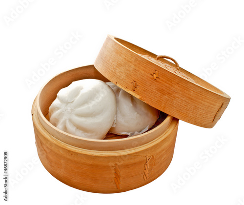 Chinese bun in bamboo basket