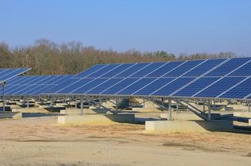 Solaranlage auf Feld - solar plant on field 10