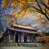 Fototapety Traditional temple with nice maple