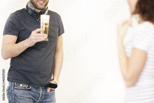 Flirt auf in einer Bar