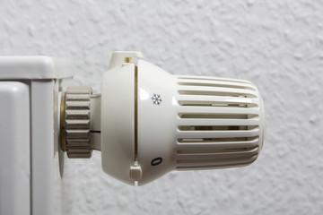 Heizkörper, Thermostat, Schneeflocke