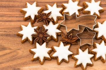 cinnamon starson wooden background