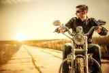Fototapete Mann - Motorrad - Beim Fahren