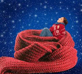 Frau im roten Schal