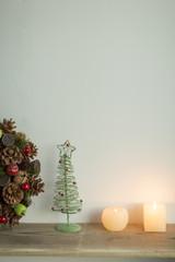 キャンドルとクリスマスグッズ