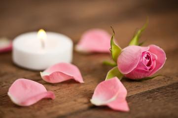 Röschen mit Kerze