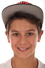 Netter Junge mit Kappe