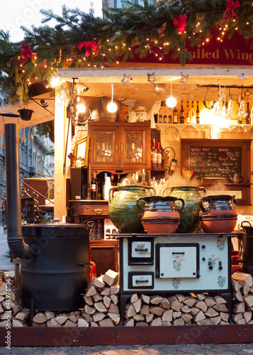 Mulled wine stall at the Christmas fair in Budapest, Hungary