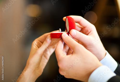 Fototapete Restaurant - Liebe - Füße / Hände