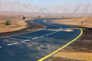 Wüsten-Straße Richtung Oman
