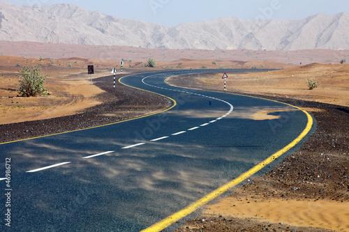 Foto Spatwand Dubai Wüsten-Straße Richtung Oman