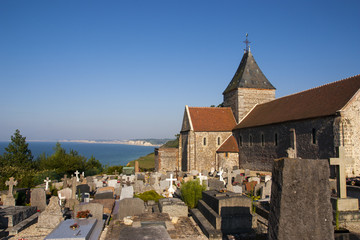 Chiesetta e cimitero normanno