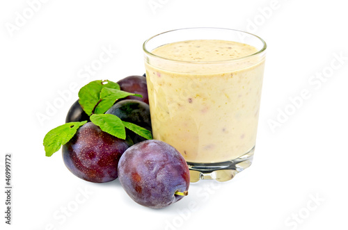 Milkshake with plums