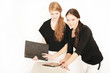 Zwei Personalchefinnen bei der Arbeit
