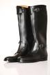 Modische schwarze Stiefel
